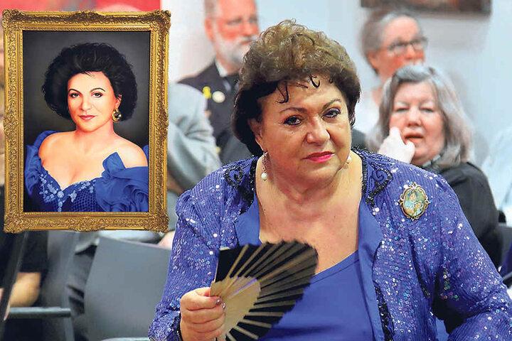 """Prinzessin Theophana (67) reiste aus Berlin an, um sich in der""""Fürstenstraße"""" zu bewundern."""