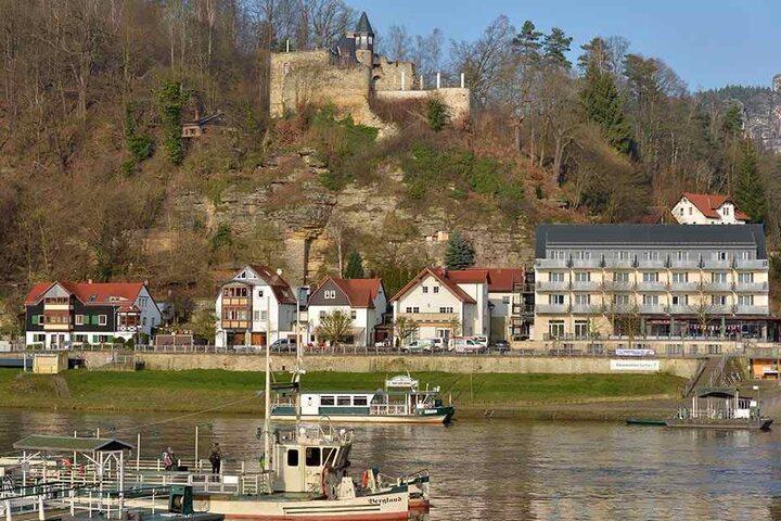 Die Burg Altrathen thront malerisch auf einem Felssporn über der Elbe. Ihre Besitzer aus Bayern wollen sie verkaufen.