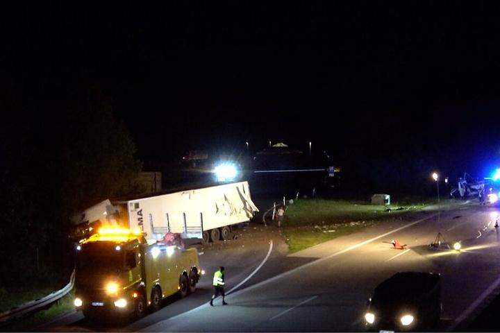 Insgesamt sechs Fahrzeuge waren in den Unfall verwickelt.