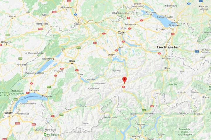 Schweiz: Mächtige Lawine reißt Skiläufer mit, sieben Verschüttete gerettet
