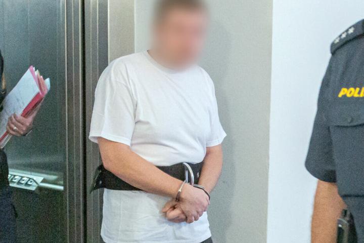 Ein 39 Jahre alter Mann muss sich aufgrund eines tödlichen Streits vor Gericht verantworten.