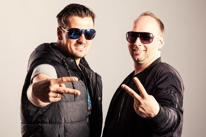 BÄÄÄM! Seit zwei Jahren behaupten sich Ric Einenkel (39, li.) und Sebastian Seidel (35) als Stereoact bereits in den Charts.