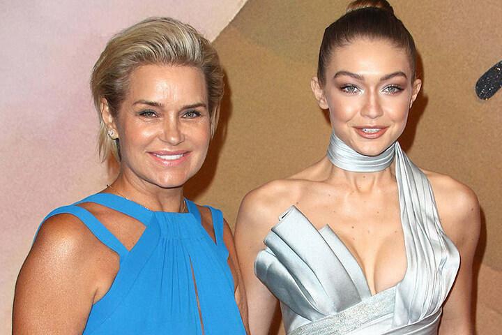 Yolanda  mit einer ihrer Supermodel-Töchter, Gigi (22).