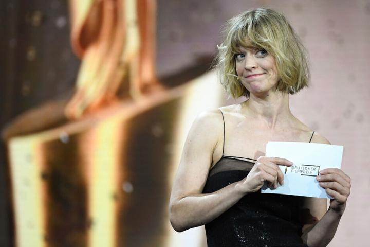 """Schauspielerin Heike Makatsch hält am 3. Mai 2019 in Berlin bei der Verleihung des 69. Deutschen Filmpreises """"Lola"""" die Laudatio in der Kategorie """"Beste männliche Hauptrolle"""""""