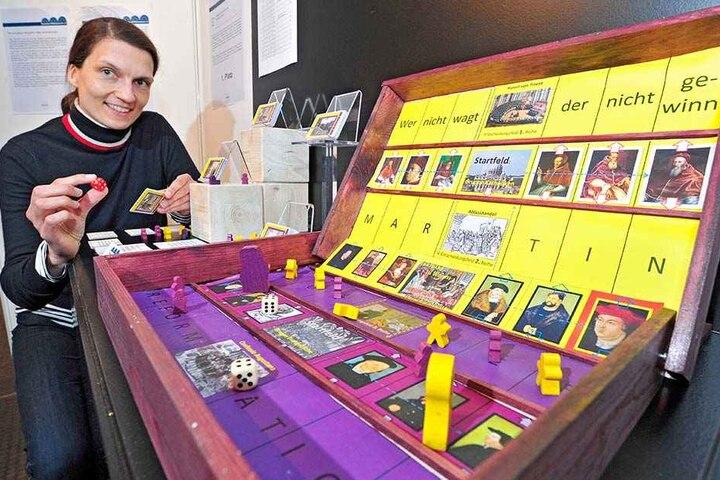 Die Spielenacht wird auch vom Chemnitzer Spielemuseum, hier mit Constanze Schwegler (39), unterstützt.