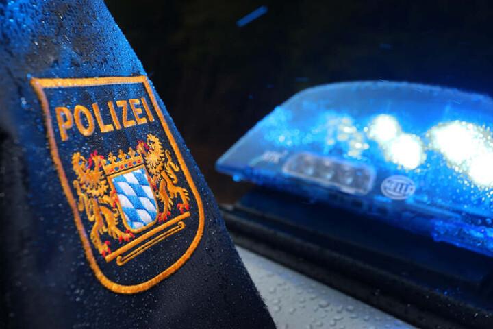 Die Polizei ermittelt gegen den 74-Jährigen unter anderem wegen Verstoßes gegen das Tierschutzgesetz. (Symbolbild)