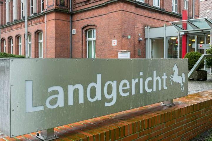 Vor dem Landgericht in Verden findet der Prozess gegen den mittlerweile 55-Jährigen statt.