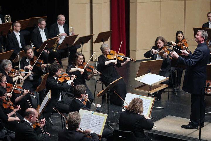 """Für den großen Orchester-Sound der """"Udo Show"""" sorgt das Leipziger Symphonieorchester."""