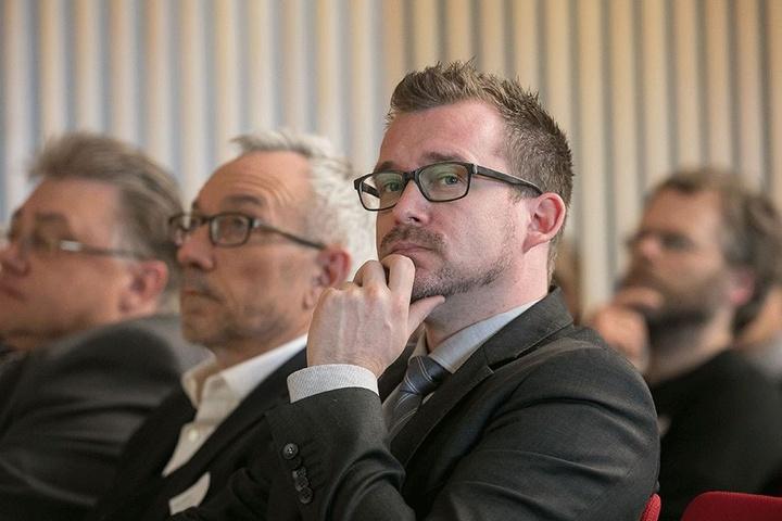 Frist abgelaufen: Auch Dresdens Baubürgermeister Raoul Schmidt-Lamontain (40,  Grüne) wurde die Reparatur der Heizungen bis letzten Freitag versichert.