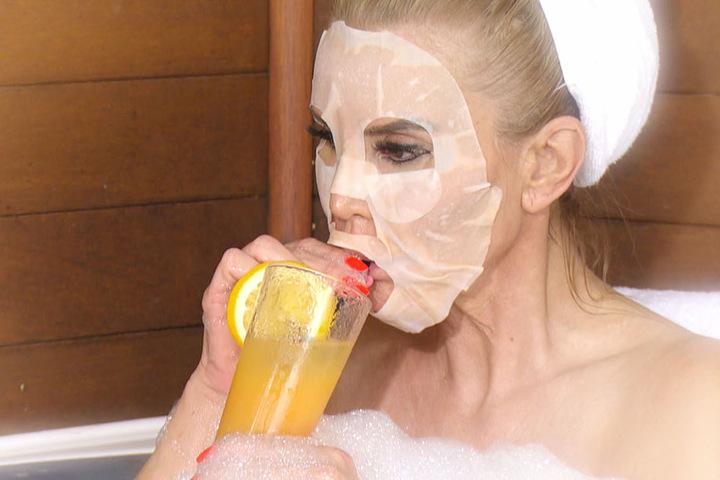 Der Grund: Tatjana Gsell soll ordentlich einen über den Durst getrunken haben.