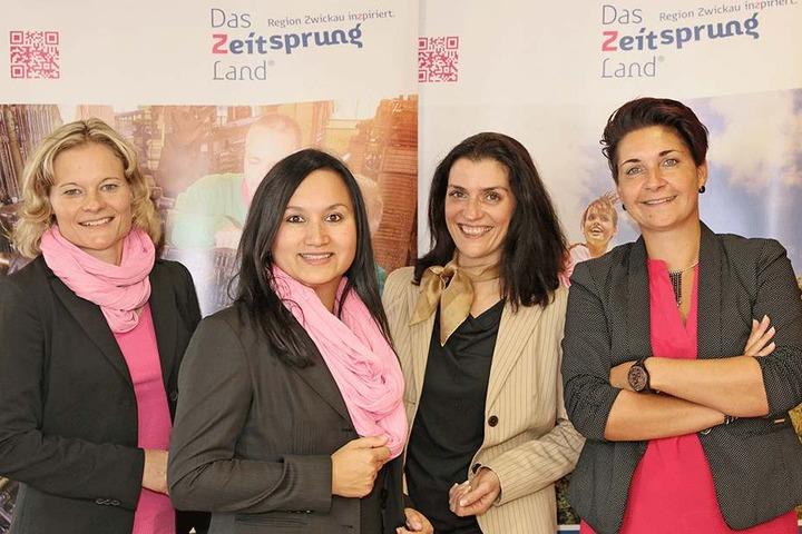 Die Touristik-Chefin der Region Zwickau Ina Klemm (41, 2.v.r.) mit ihrem Team  Romy Schlicht (41), Marika Schwarz (34) und Sandra Meyer (41, von links).