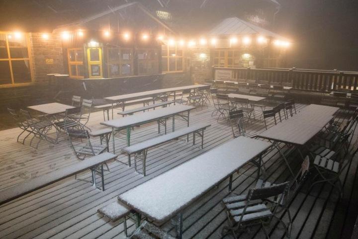 Auch auf dem Fichtelberg gab es Neuschnee.
