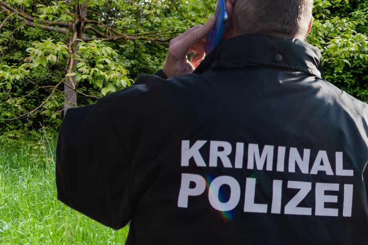 Die Kriminalpolizei prüft nun, ob ein Zusammenhang mit einer Vermisstenmeldung besteht (Symbolfoto/Fotomontage).
