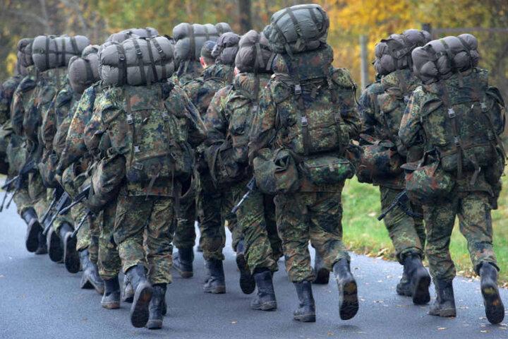 Laut Spiegel Online sollen bei einem Marsch mehrere Soldaten zusammengebrochen sein. (Symbolbild)