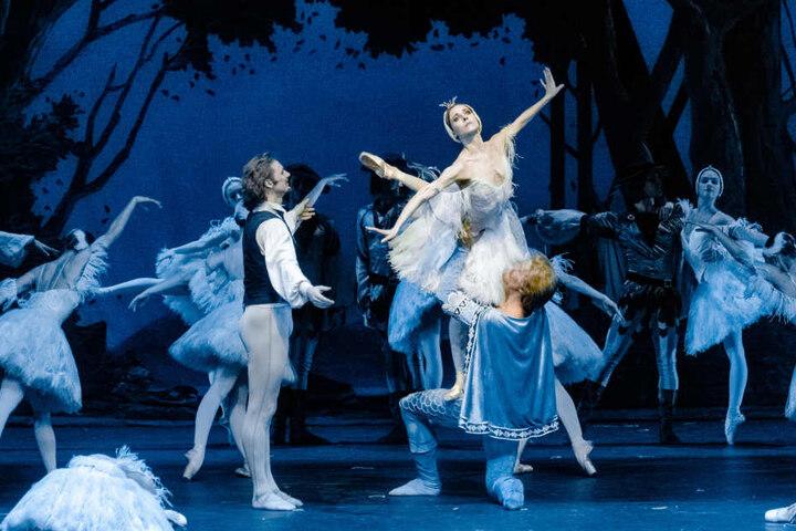 """Sogar das Ballett """"Illusionen - wie Schwanensee"""" fällt aus."""