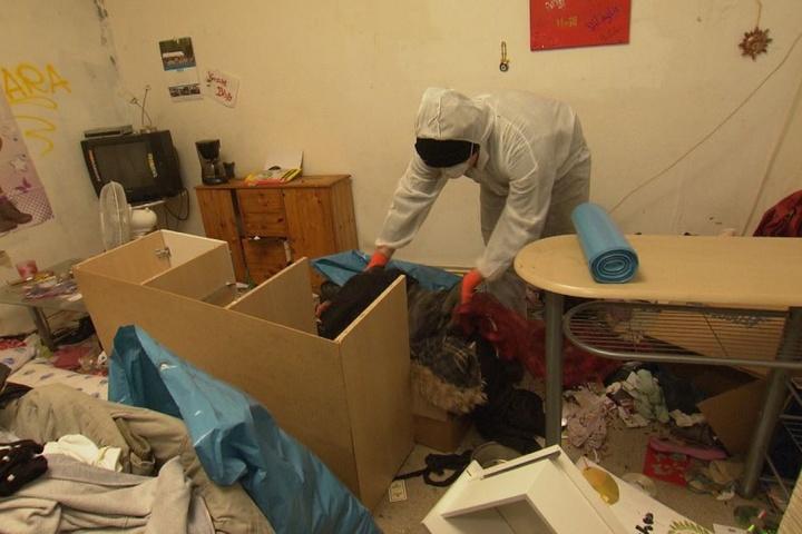 Heidis Zuhause ist, nunja, nicht der sauberste Ort der Welt.