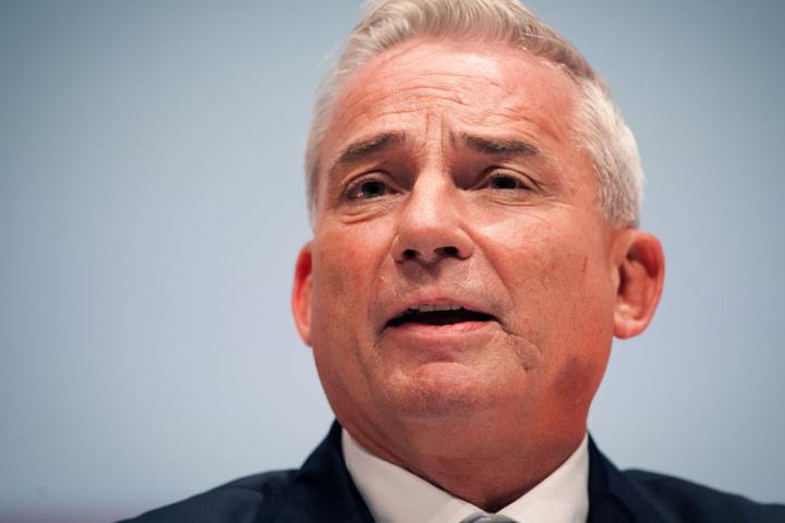 Lehnt Hausarreste oder das Wegnehmen von Handys für Asylbewerber ab: Innenminister Thomas Strobl (CDU).