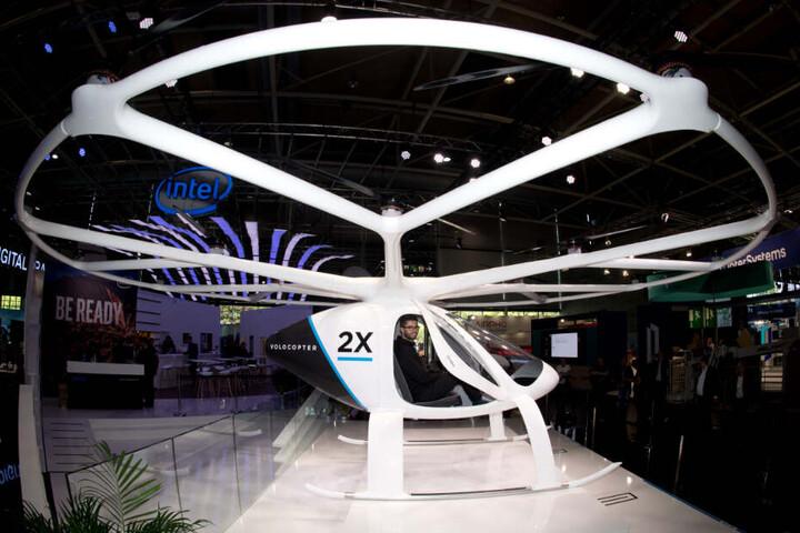 Die Passagier-Drohne Volocopter 2x am Stand von Intel auf der Digitalisierungsmesse Cebit 2018.
