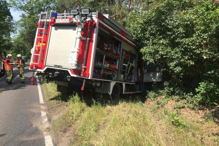An dem Fahrzeug soll ein Totalschaden entstanden sein.