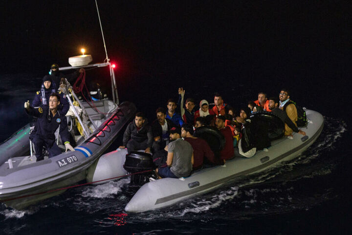 Grünen-Chef Habeck fordert: Deutschland soll Migranten aus Griechenland holen