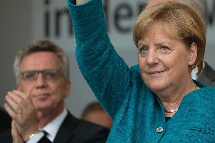Bundesinnenminister Thomas de Maizière (63) wird Angela Merkel (63) neben weiteren CDU-Parteimitgliedern begleiten.