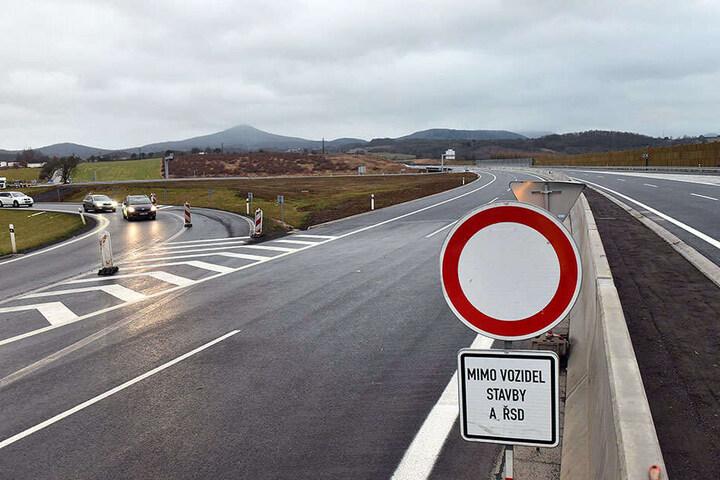 Am Samstag gibt Staatspräsident Milos Zemann nach neun Jahren Bauzeit das Autobahnteilstück frei.
