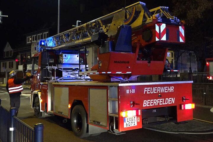 Erst in den frühen Morgenstunden konnte die Feuerwehr den Brand löschen.