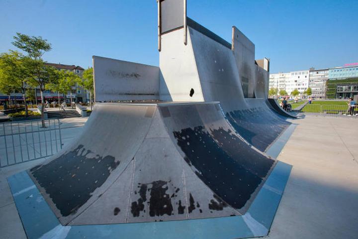 Die Anlage hat zum Teil futuristische Formen. Sie bieten den Skatern besonders viel Abwechslung und Fahrspaß.