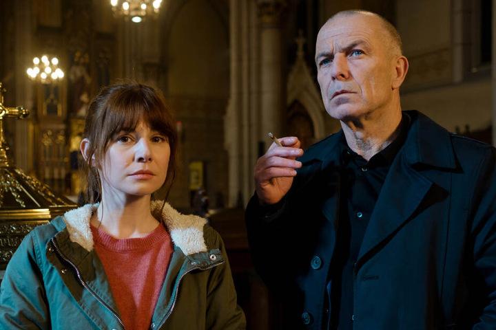 Die Kommissare Sabine Nemez (Josefine Preuß) und Maarten S. Sneijder (Raymond Thiry) ermitteln in der Mordserie.
