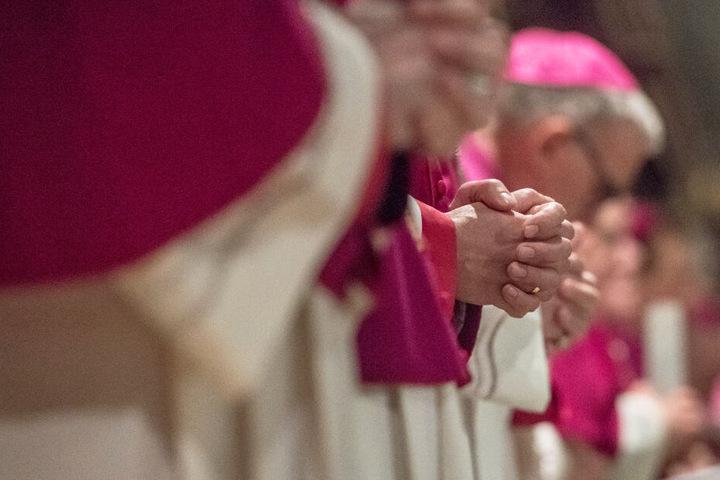 Bayerns Bischöfe haben sich kritisch zur Widerspruchslösung bei der Organspende geäußert.
