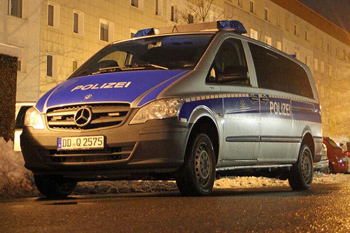 In der Nacht rückte die Polizei zum Neubaublock in der Glückaufstraße aus.