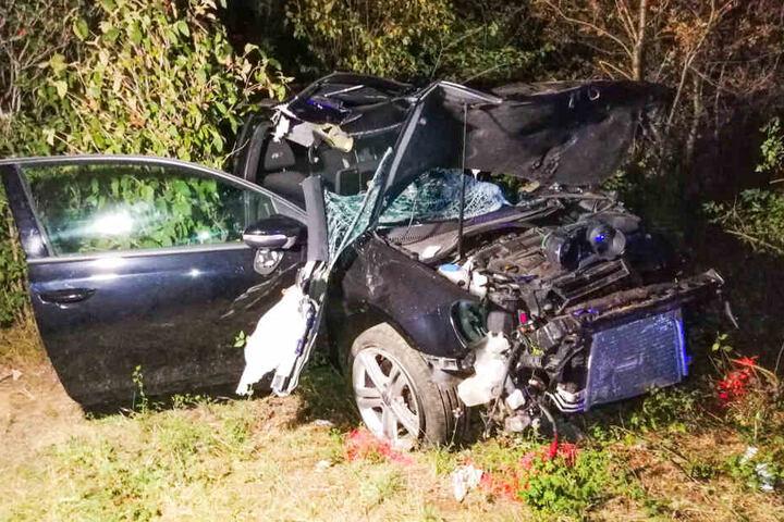 Der Wagen war nach dem Unfall nur noch ein Wrack.