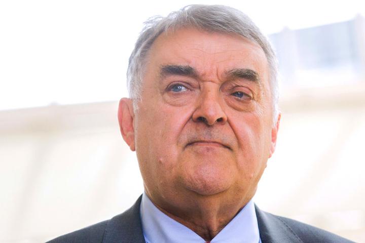 """Entwarnung: Laut Innenminister Herbert Reul (65) gibt es keinen """"Veganer-Terrorismus"""" in NRW."""