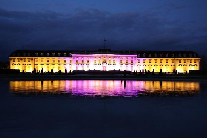 Das leuchtende Schloß in Ludwigsburg.