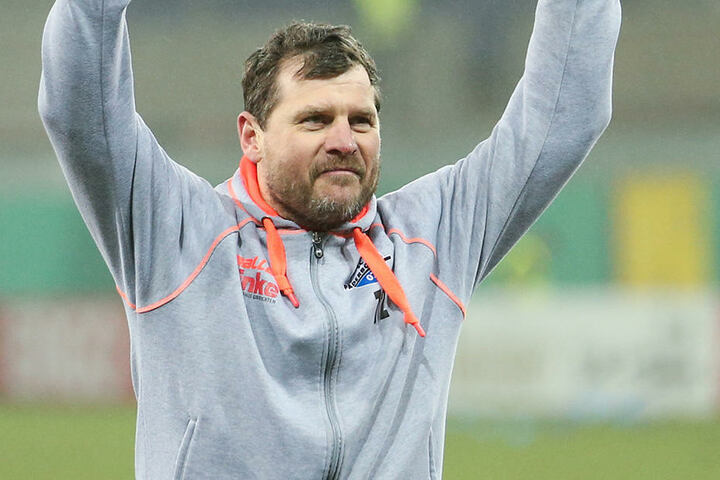 """""""Er lebt den Fußball"""", sagt Tietz über seinen Trainer."""