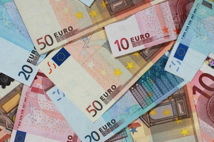 Den Verkaufswert des Rauschgifts schätzten die Fahnder auf rund 80.000 Euro. (Symbolbild)