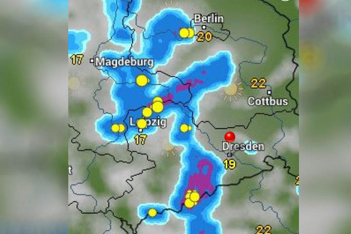 Laut wetter-online.de knallt es heut Nachmittag heftig.
