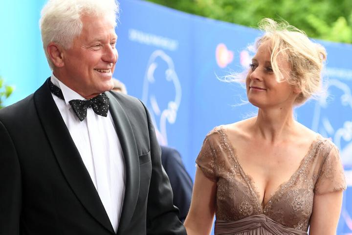 Der Schauspieler Miroslav Nemec und seine Frau Katrin Jäger kommen zur Verleihung des Bayerischen Fernsehpreises im Jahr 2017.