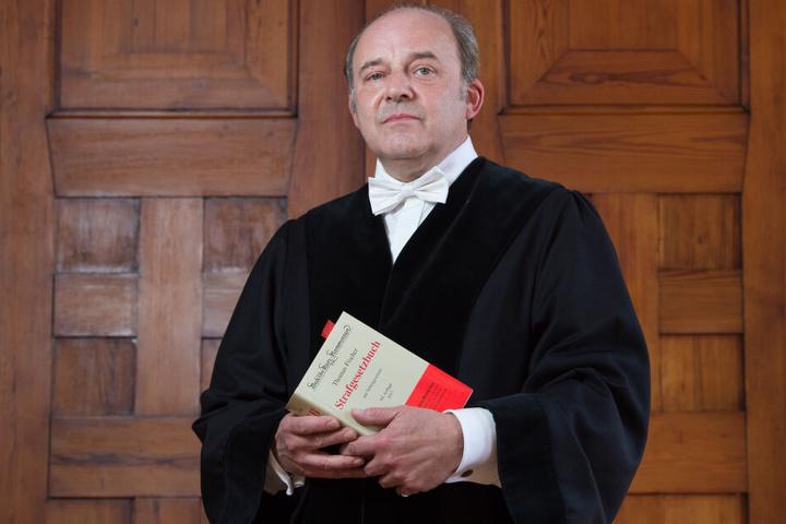 """Amtsrichter Dirk Hertle (56) war alles anderer als amüsiert über den """"falschen Adam"""". Er gab den Fall ans Landgericht ab."""