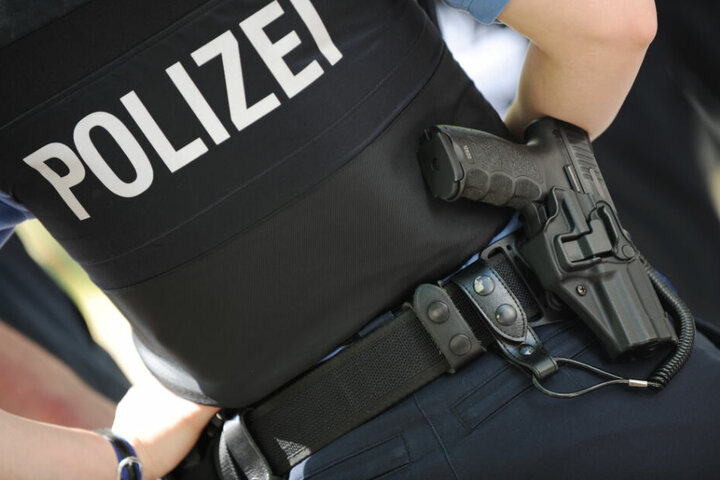 Die Polizei bittet die Bevölkerung um Mithilfe bei der Suche nach dem Täter. (Symbolbild)