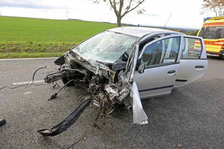 Beim Mitsubishi wurde der Motorblock herausgerissen.