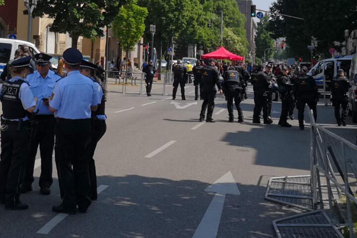 Vor den Demonstrationen: Die Polizei bereitet sich vor.