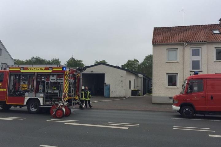 Die Eckendorfer Straße ist wegen des Brandes voll gesperrt.