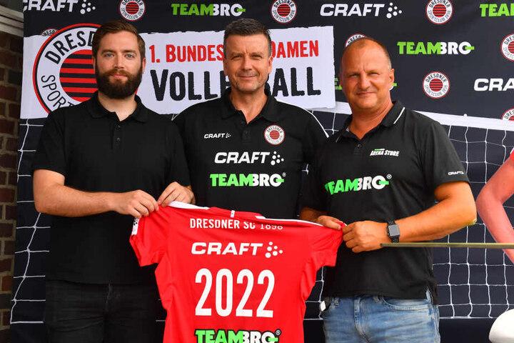 """Ein Trio bis 2022 (v.l.): Markus Müller (""""CRAFT""""), Alex Waibl und Sportbekleidungshändler Rico Haubold (TEAMBRO)."""