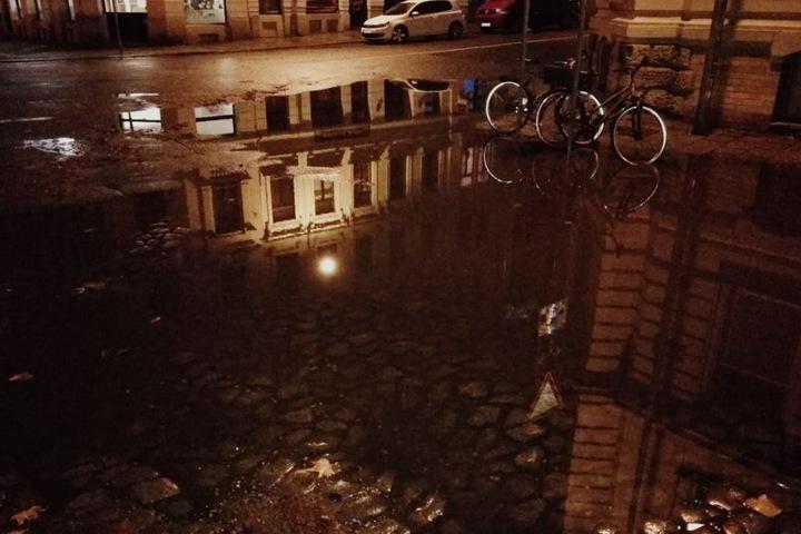 Die Wassermassen waren wohl etwas zu viel für die Kanalisation.