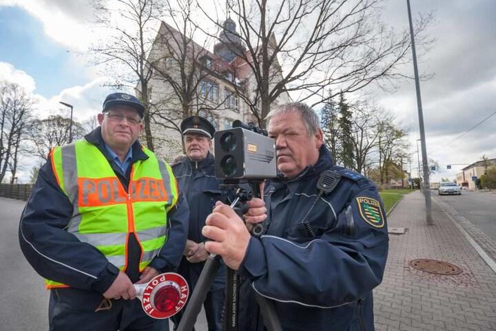 Die drei von der Blitz-Stelle (v.l.): Peter Hutzig (56), Frank Rott (56) und Mario Werning (53).