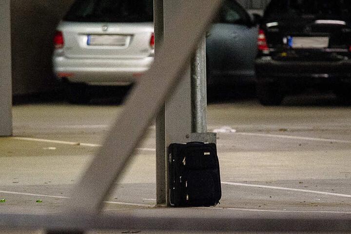 Dieser herrenlose Koffer wurde auf der ersten Etage im Parkhaus von IKEA gesichtet.