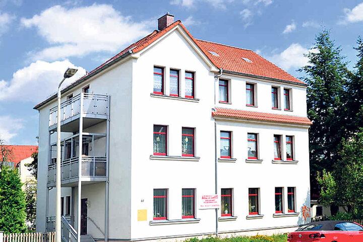 Geht es nach der Kassenärztlichen Vereinigung Sachsen soll hier bald ein junger Allgemeinmediziner einziehen.