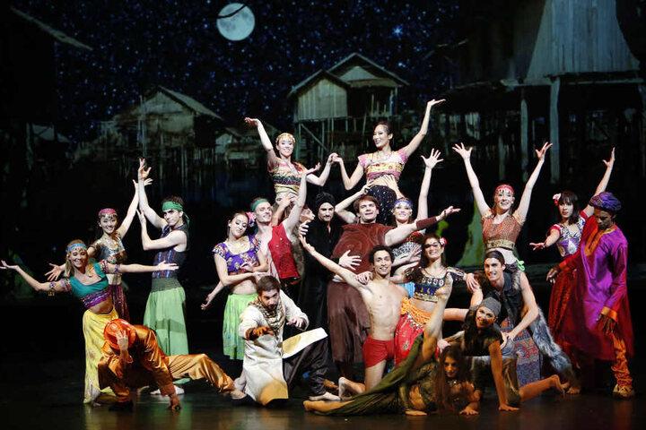 Zum Finale gibt es einen Hauch von Bollywood im Chemnitzer Opernhaus.