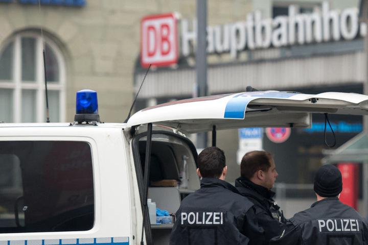 Die Polizei musste am Hauptbahnhof in München einen 32 Jahre alten Mann überwältigen. (Symbolbild)
